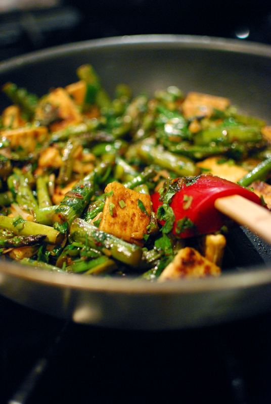 Stir-Fried Asparagus and Tofu